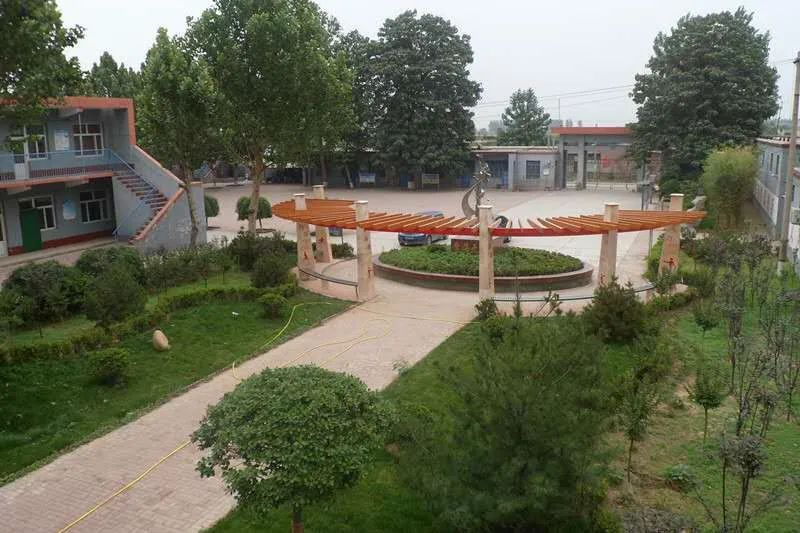 大陆村中学获评邢台市5A级学校5043 作者: 来源: 发布时间:2020-4-7 17:35