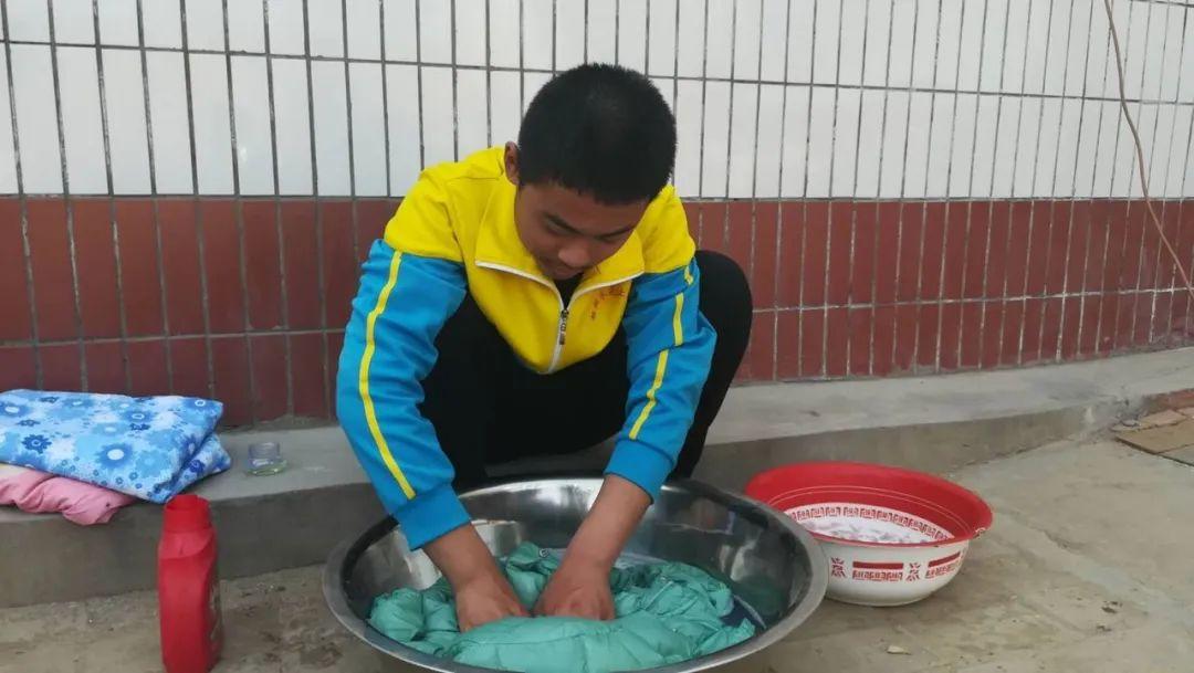 滨湖志臻|五一劳动节,致敬最可爱的人5165 作者: 来源: 发布时间:2020-5-5 08:15