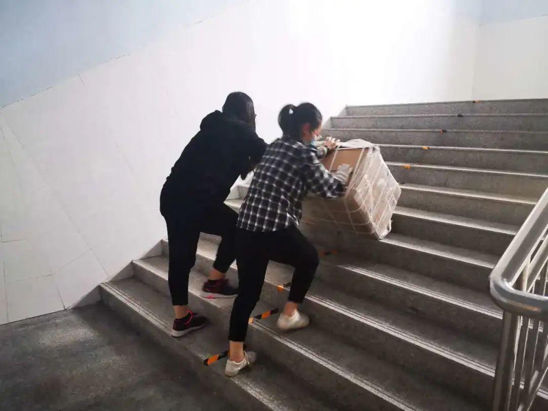 滨湖志臻|五一劳动节,致敬最可爱的人7689 作者: 来源: 发布时间:2020-5-5 08:15
