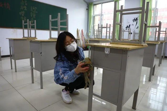 滨湖志臻|五一劳动节,致敬最可爱的人4824 作者: 来源: 发布时间:2020-5-5 08:15