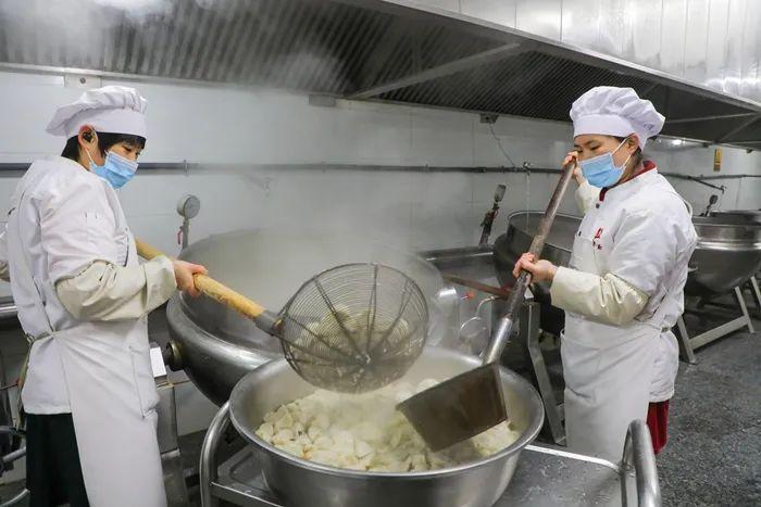 志臻故事丨冬至这天说一说志臻的饺子1764 作者: 来源: 发布时间:2020-12-22 10:29