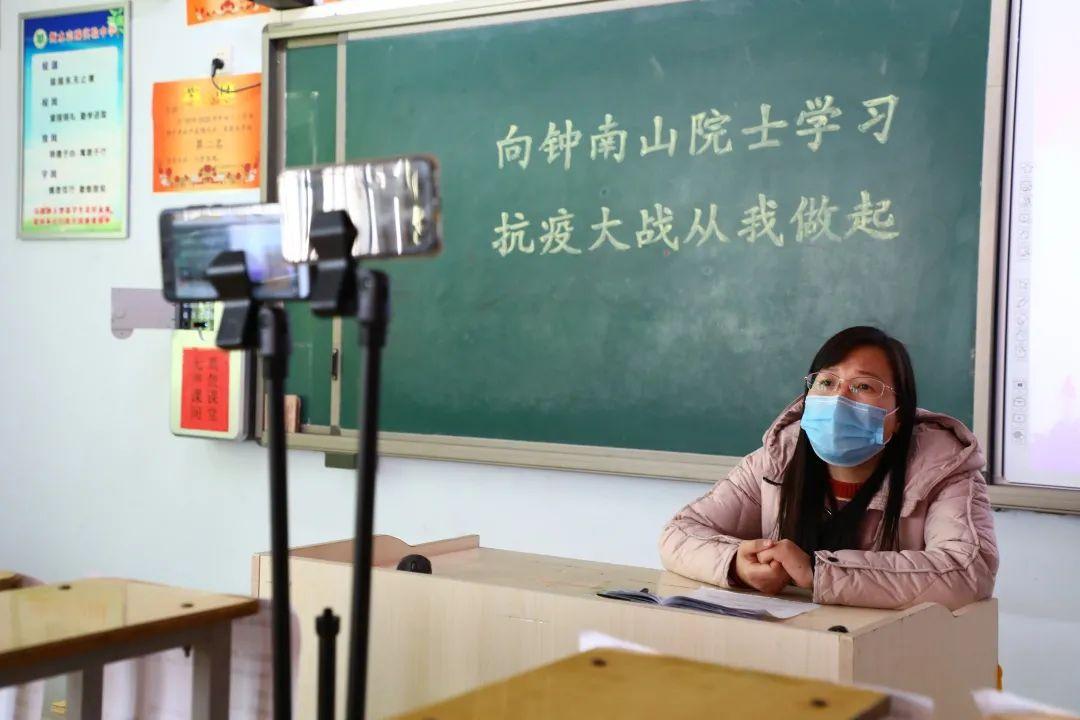 滨湖志臻2020年最难忘的十张照片!一张照片一个故事,看完满是泪和感动9617 作者: 来源: 发布时间:2021-1-1 09:58