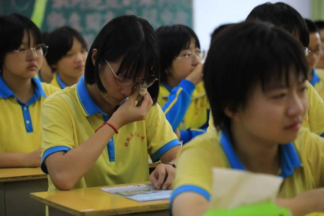 滨湖志臻2020年最难忘的十张照片!一张照片一个故事,看完满是泪和感动4314 作者: 来源: 发布时间:2021-1-1 09:58