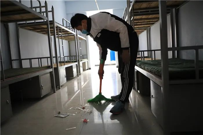 滨湖志臻2020年最难忘的十张照片!一张照片一个故事,看完满是泪和感动9414 作者: 来源: 发布时间:2021-1-1 09:58