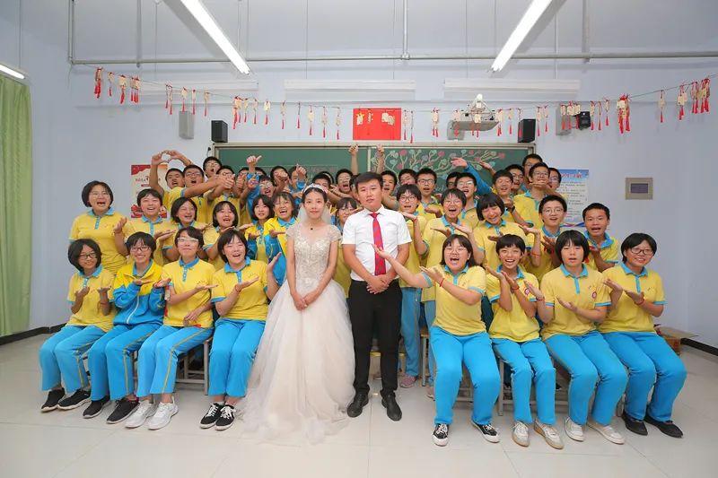 滨湖志臻2020年最难忘的十张照片!一张照片一个故事,看完满是泪和感动9201 作者: 来源: 发布时间:2021-1-1 09:58